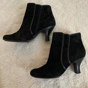 Sofft Booties size 10 Black Leather suede ankle